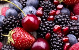Iron in Fruits: The 5 Fruits Richest in Iron